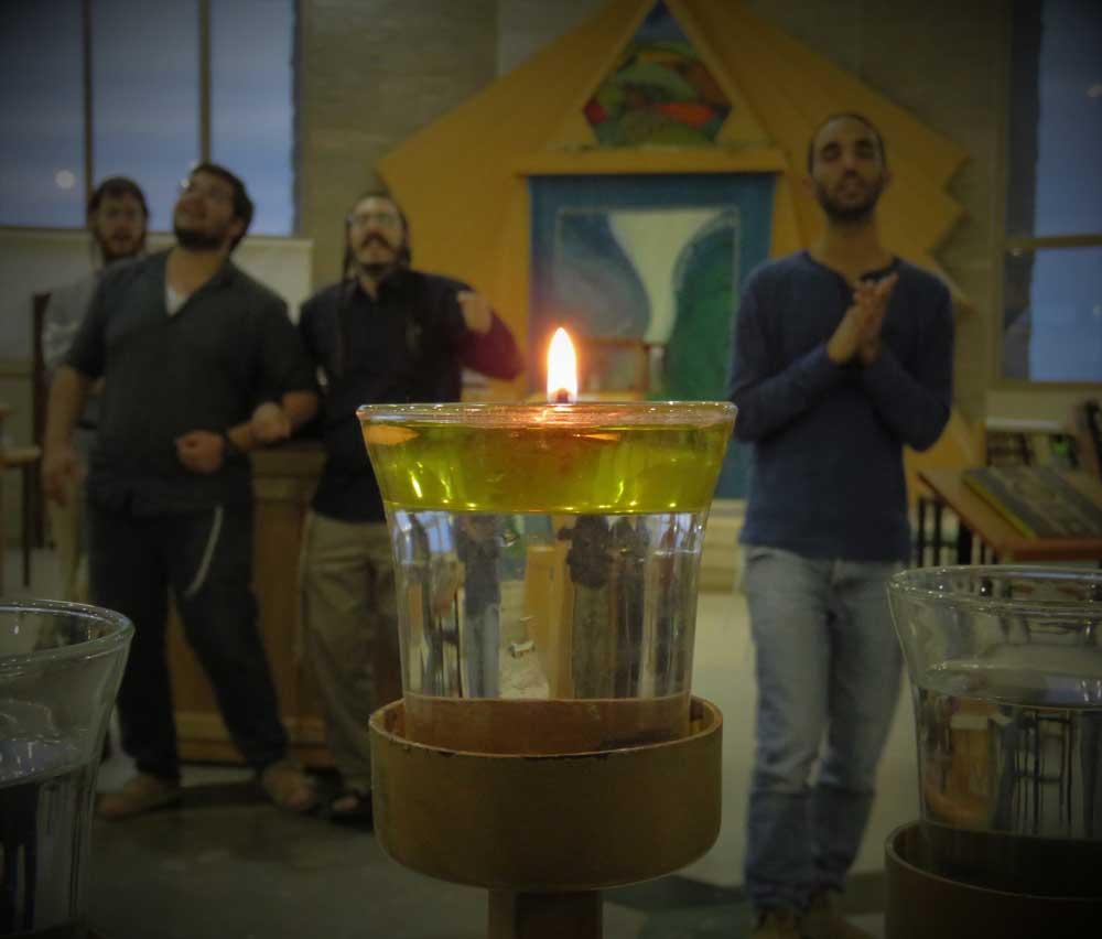 יצחק ויוסף – לפרשת מקץ, שבת חנוכה